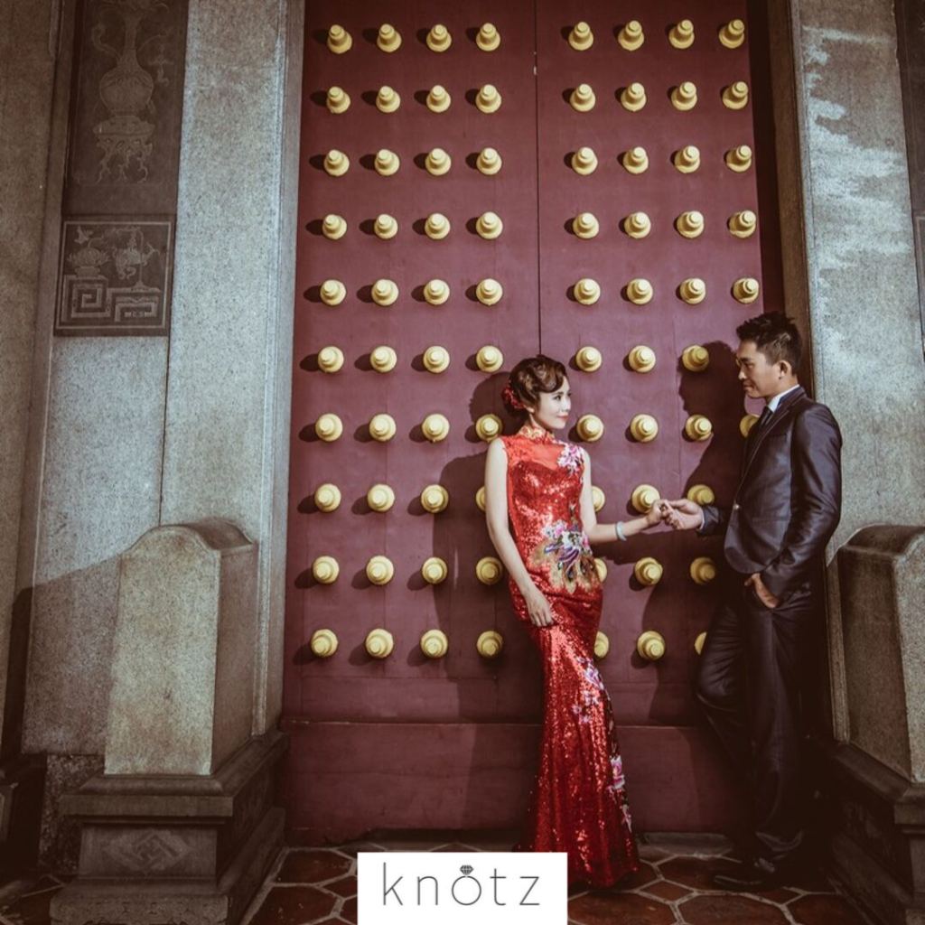 dark and dramatic pre wedding shoot