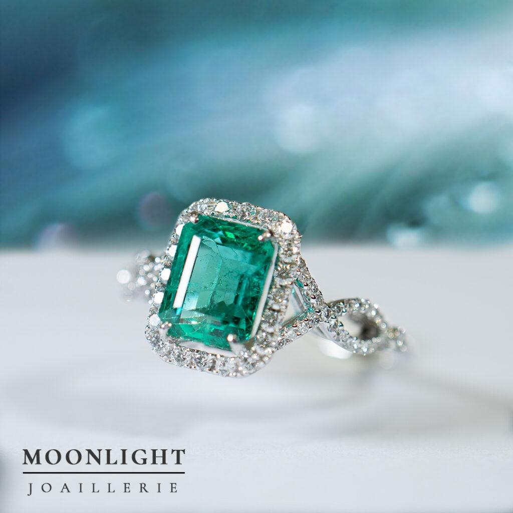 Moonlight-Joaillerie-emerald-ring